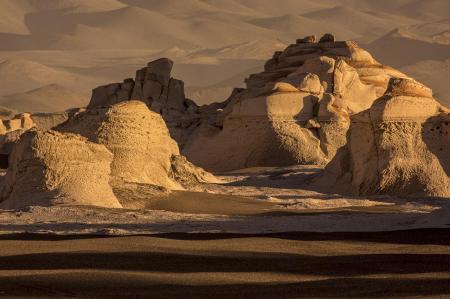 Entdecken Sie die einmaligen Landschaften der Puna Wüste in Argentinien