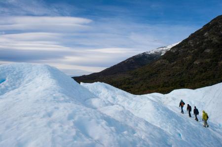Wandern Sie durch die Landschaft des Cerro Castillo Parks im Norden von Patagonien