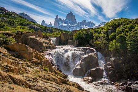 Entdecken Sie die patagonische Landschaft auf einer Trekkingreise im Carro Castillo Nationalpark