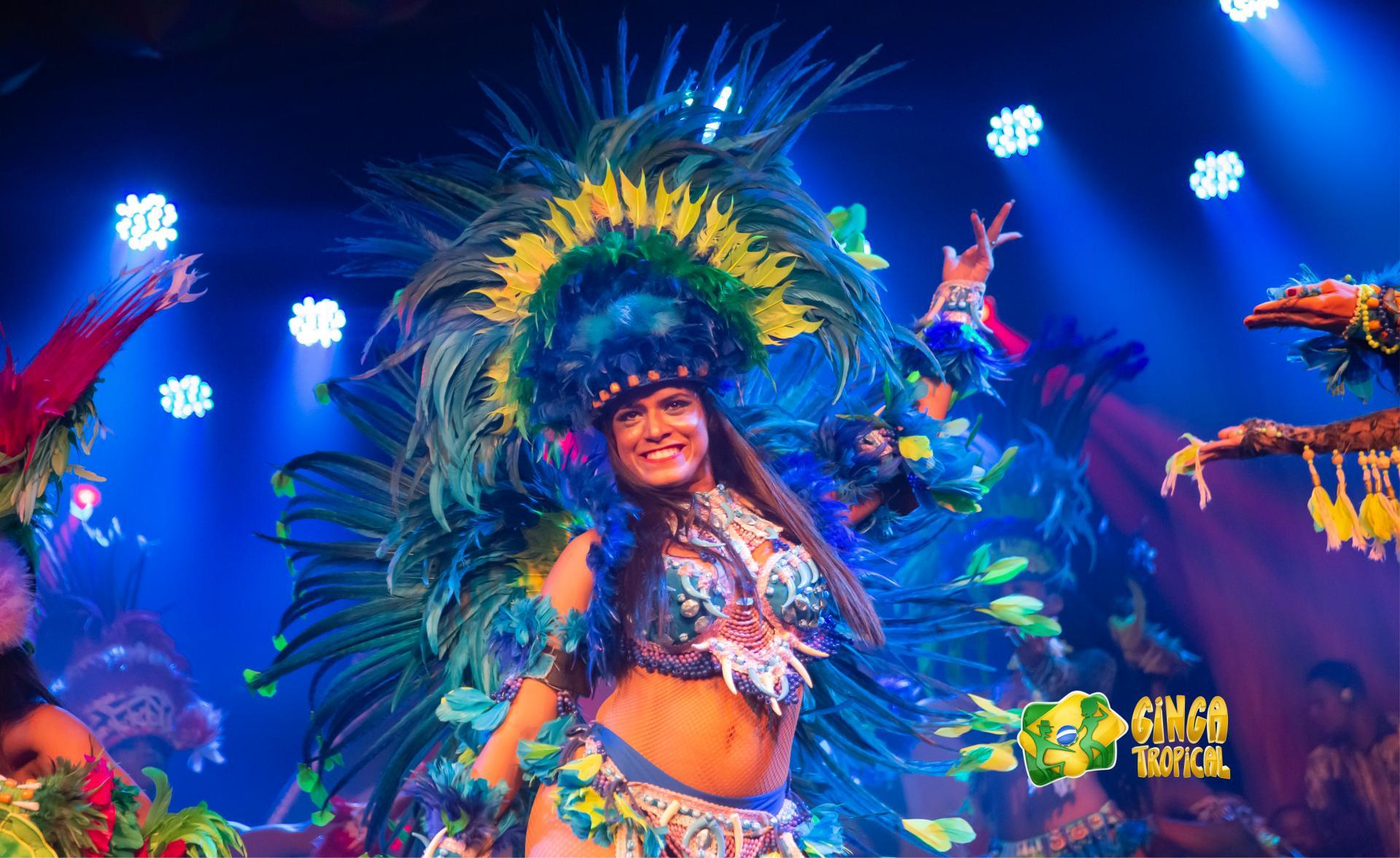 Sambatänzerin bei der Ginga Tropical Show in Rio