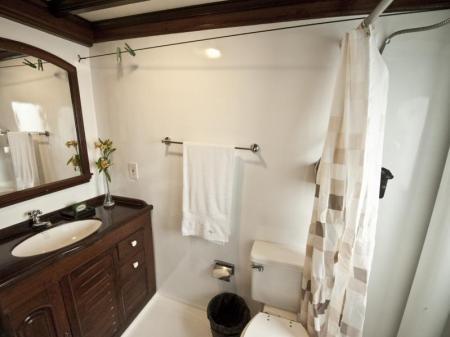 Badezimmer auf der Tucano Motoryacht