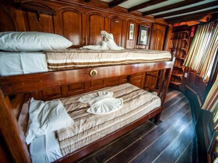 Kabine der Kategorie Green Stateroom mit einem Hochbett