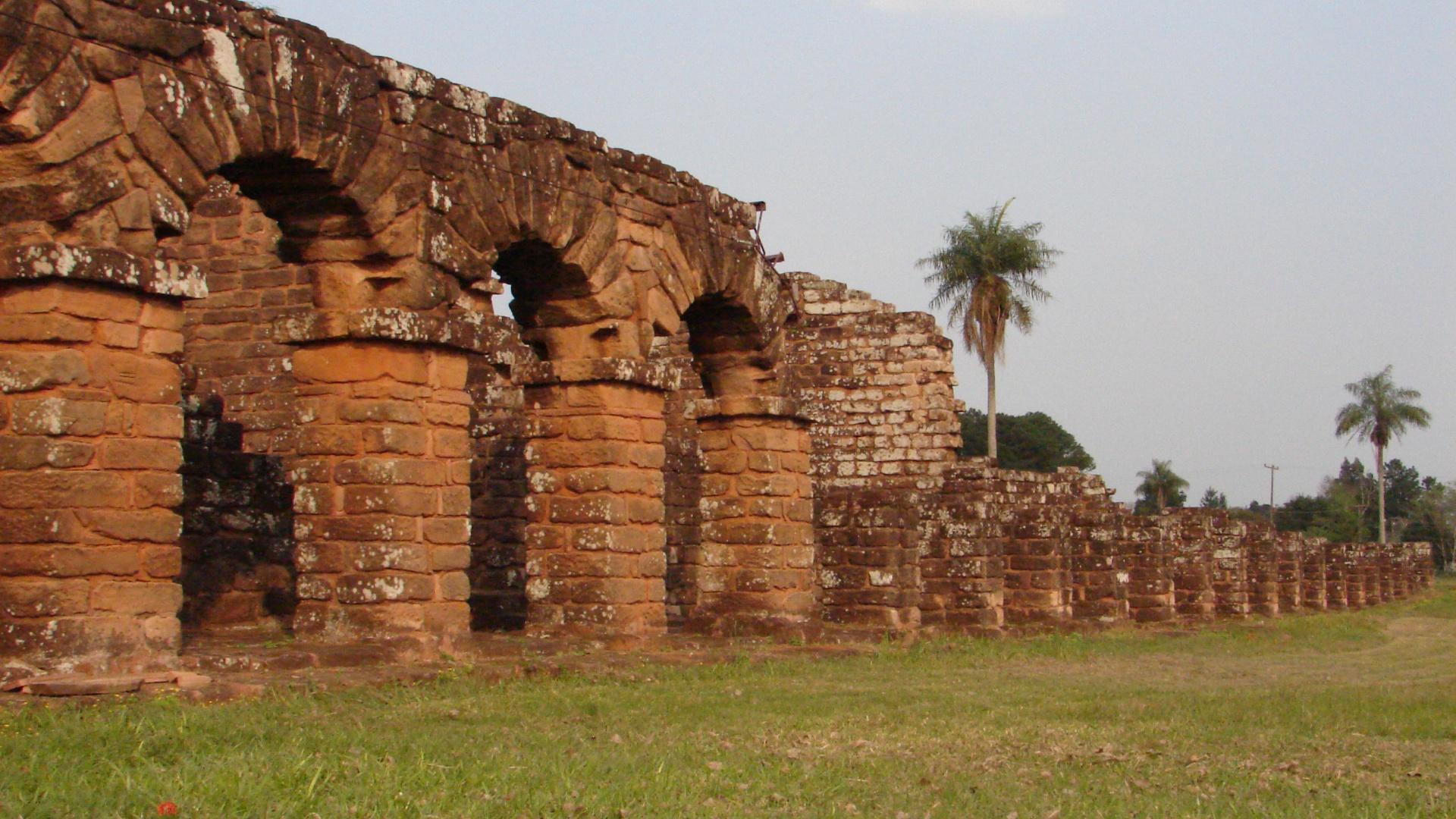 Ruinen der jesuitischen Mission im Dreiländereck zwischen Paraguay Argentinien und Brasilien