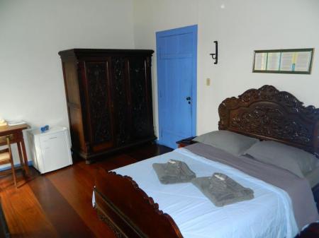Ein Doppelzimmer der Kloster-Pousada Serra do Caraca auf der Goldroute in Brasilien