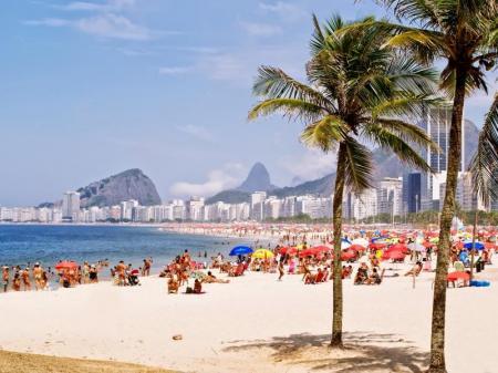 Der Strand von Copacabana in Rio de Janeiro